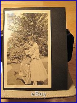 Antique Vintage Flapper Era Lovely Women Warm Embrace Hug Lesbian Int Old Photos