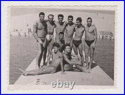 Awesome Muscle Guys Few Men withTrunks Swimmers Gay Int. Vintage Orig Photo 62466