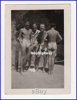 Back-to-Camera Butt, Shirtless Beach Men, Bulge Vtg Old Snapshot PHOTO gay int