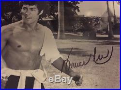 Bruce Lee Signed Vintage 10x8 Press Photograph