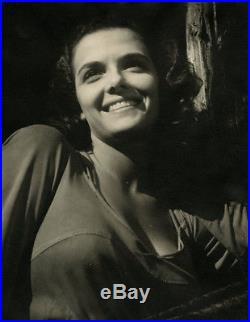 Brunette Bombshell Jane Russell 1950s Vintage Large Smiling Casual Photograph
