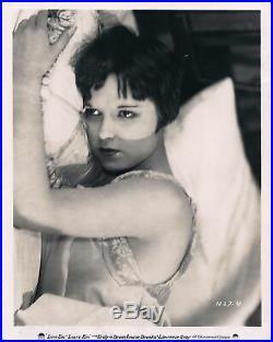 LOUISE BROOKS / LOVE'EM AND LEAVE'EM (1926) Vintage original 8x10 photo in bed