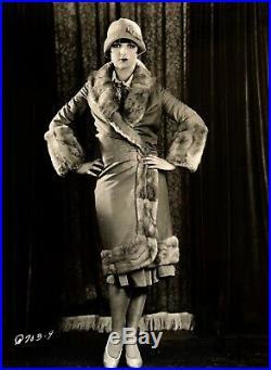 LOUISE BROOKS VINTAGE 1929 PHOTO 6 1/2 x 8 7/8 BROOKSIE RARE PANDORA'S BOX