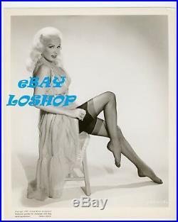 MAMIE VAN DOREN Vintage Original PHOTO CHEESECAKE Legs Leggy Black Stockings HOT