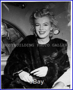 MARILYN MONROE ORIGINAL VINTAGE 1956 SILVER GELATIN PHOTO AT IDLEWILDE PRESS USE