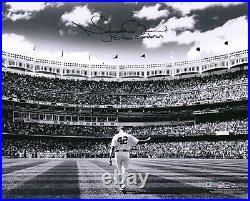 Mariano Rivera NY Yankees Signed 16 x 20 B&W Mariano Rivera Day Photo & Insc