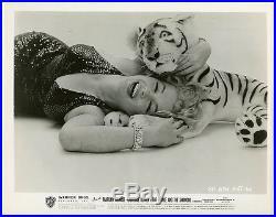 Marilyn Monroe May 1957 Richard Avedon Sitting Vintage Tiger Pin-Up Photograph