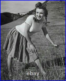 Marilyn Monroe Vintage 1945 Large Andre de Dienes Pin-Up Original Photo Stamped