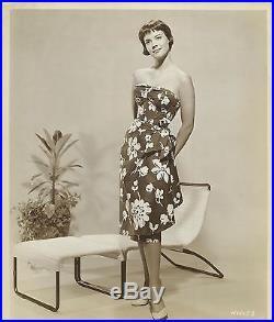 NATALIE WOOD Wearing a Nice Flower Dress Original Vintage Photo Portrait 1950's