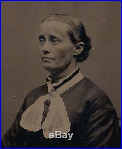 OLD VINTAGE ANTIQUE TINTYPE PHOTO PORTRAIT of a WOMAN