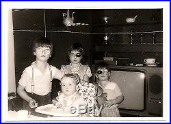 OLD VINTAGE PHOTO LITTLE GERMAN BOYS BOY & GIRL with COVERED PATCH EYE GLASSES