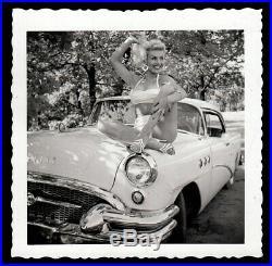 SMOKIN HOT PLATINUM BLOND BIKINI HOUSEWIFE on 1955 BUICK CAR 1957 VINTAGE PHOTO