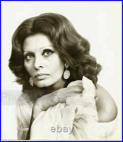 Sophia Loren in a Dior dress, portrait by Yousuf Karsh Vintage Photo 1981