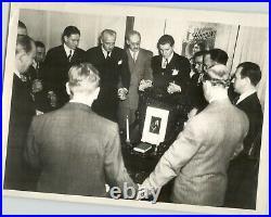 Unusual VTG Press Photo Magicians Hold Seance For HARRY HOUDINI Detroit MI 1944