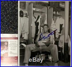 Vintage-1951 Wire photo- WILLIE MAYS (Rookie) signed B&W 8x10-JSA#F42762