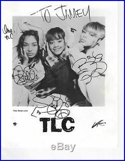 Vintage TLC autographed 8x10 B&W photo R&B hip hop Lisa Left Eye Lopes