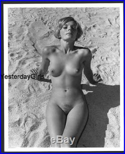 Ygst-2371 Original Vintage B/w 8x10 1960's Fine Art Nude Study Outdoors